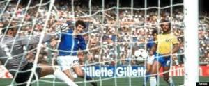 Paolo Rossi segna il primo gol per l'Italia